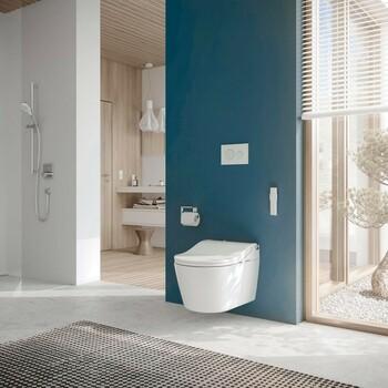 On adopte la touche de couleurs dans la salle de bains pour réveiller l'espace ! 👌  Bains & Déco vous accueille dans ses showrooms parisiens dans le respect des gestes barrières !  N'hésitez pas à prendre rendez-vous sur notre site bainsetdeco.fr (Lien dans la bio) ✨  Salle de bains By Toto ✨  #bainsetdeco #bathroom #design #luxurylifestyle #luxuryhomes #collection #exlusivity #showrooms #Paris #toto  #love #beautiful #luxury #deco #decorationdinterieur #interieur
