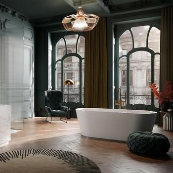 Élégant et chaleureux, le parquet est aujourd'hui souvent utilisé dans la salle de bains 👌  Bains & Déco vous accueille dans ses showrooms parisiens dans le respect des gestes barrières !  N'hésitez pas à prendre rendez-vous sur notre site bainsetdeco.fr (Lien dans la bio) ✨  By Kaldewei ✨  #bainsetdeco #bathroom #design #luxurylifestyle #luxuryhomes #collection #exlusivity #showrooms #Paris #kaldewei #love #beautiful #luxury #deco #decorationdinterieur #interieur