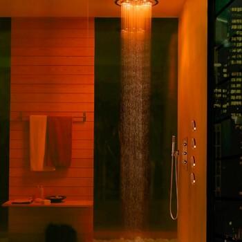 Optez pour une salle de bains façon spa pour un moment de détente et de bien-être ✨  Bains & Déco vous accueille dans ses showrooms parisiens dans le respect des gestes barrières !  N'hésitez pas à prendre rendez-vous sur notre site bainsetdeco.fr (Lien dans la bio) ✨  Salle de bains by Bossini ✨  #bainsetdeco #bathroom #design #luxurylifestyle #luxuryhomes #collection #exlusivity #showrooms #Paris #bossini #love #beautiful #luxury #deco #decorationdinterieur #interieur