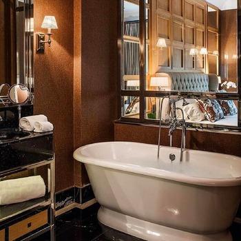 Calme & Sérénité 🧘♀️  Bains & Déco vous accueille dans ses showrooms parisiens dans le respect des gestes barrières !  N'hésitez pas à prendre rendez-vous sur notre site bainsetdeco.fr (Lien dans la bio) ✨  By  Victoria + Albert' ✨  #bainsetdeco #bathroom #design #luxurylifestyle #luxuryhomes #collection #exlusivity #showrooms #Paris #victoriaalbert #love #beautiful #luxury #deco #decorationdinterieur #interieur