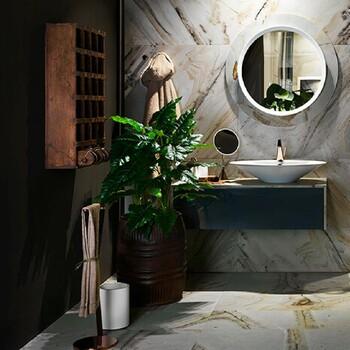Nous vous conseillons de mettre vos plantes dans votre salle de bains pour plus fraîcheur et de couleurs naturelles ! 🌿  Bains & Déco vous accueille dans ses showrooms parisiens dans le respect des gestes barrières !  N'hésitez pas à prendre rendez-vous sur notre site bainsetdeco.fr (Lien dans la bio) ✨  Salle de bains by Gessi ✨  #bainsetdeco #bathroom #design #luxurylifestyle #luxuryhomes #collection #exlusivity #showrooms #Paris #gessi #love #beautiful #luxury #deco #decorationdinterieur #interieur