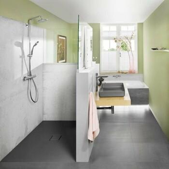 Pour dynamiser l'espace, la couleur s'invite dans votre salle de bains ! Rose, jaune, bleu, choisissez celle que vous préférez ! Les couleurs pastel sont au rendez-vous 😍  Bains & Déco vous accueille dans ses showrooms parisiens dans le respect des gestes barrières !  N'hésitez pas à prendre rendez-vous sur notre site bainsetdeco.fr (Lien dans la bio) ✨  Salle de bains by Kaldewei✨  #bainsetdeco #bathroom #design #luxurylifestyle #luxuryhomes #collection #exlusivity #showrooms #Paris #kaldewei #love #beautiful #luxury #deco #decorationdinterieur #interieur