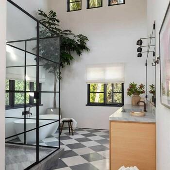 Vous êtes unique, votre salle de bains doit l'être aussi. ✨  Bains & Déco vous accueille dans ses showrooms parisiens dans le respect des gestes barrières !  N'hésitez pas à prendre rendez-vous sur notre site bainsetdeco.fr (Lien dans la bio) ✨  #bainsetdeco #bathroom #design #luxurylifestyle #luxuryhomes #collection #exlusivity #showrooms #Paris #love #beautiful #luxury #deco #decorationdinterieur #interieur