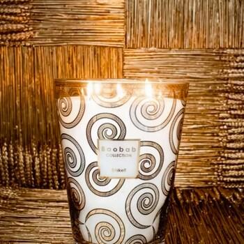 Pour un peu plus de chaleur dans votre intérieur, optez pour les bougies Baobab Collection 💫🕯️  Bains & Déco vous accueille dans ses showrooms parisiens dans le respect des gestes barrières !  N'hésitez pas à prendre rendez-vous sur notre site bainsetdeco.fr (Lien dans la bio) ✨  Bougie By Baobab Collection ✨  #bainsetdeco #bathroom #design #luxurylifestyle #luxuryhomes #collection #exlusivity #showrooms #Paris #baobabcollection #love #beautiful #luxury #deco #decorationdinterieur #interieur